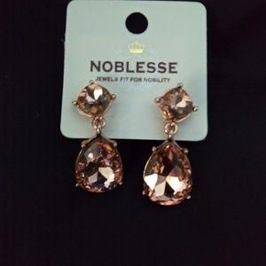 Jewelry - NWT Facet glass teardrop earrings